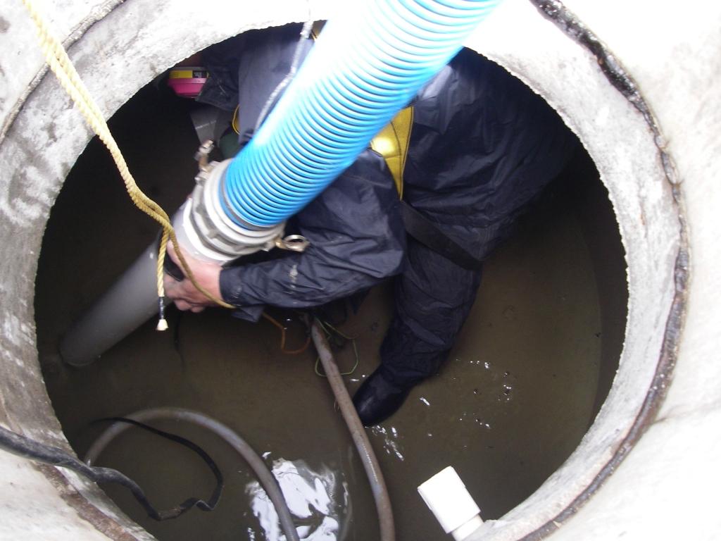 شركة تنظيف خزانات فى الفجيرة  0543690242